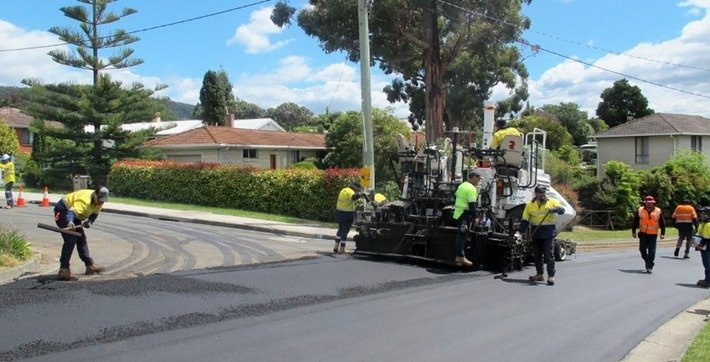 , Tasmania Builds Road From Single-Use Plastics, Glass And Printer Toner (Why not just reuse the toner cartridges?), The Circular Economy, The Circular Economy
