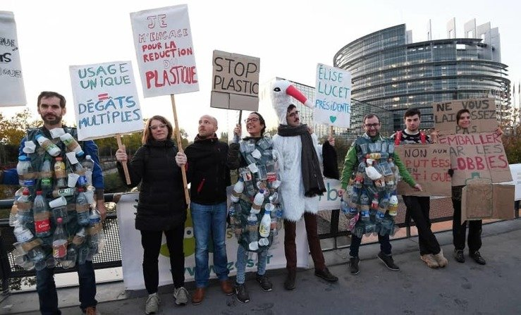 , EU parliament approves ban on single-use plastics, The Circular Economy, The Circular Economy