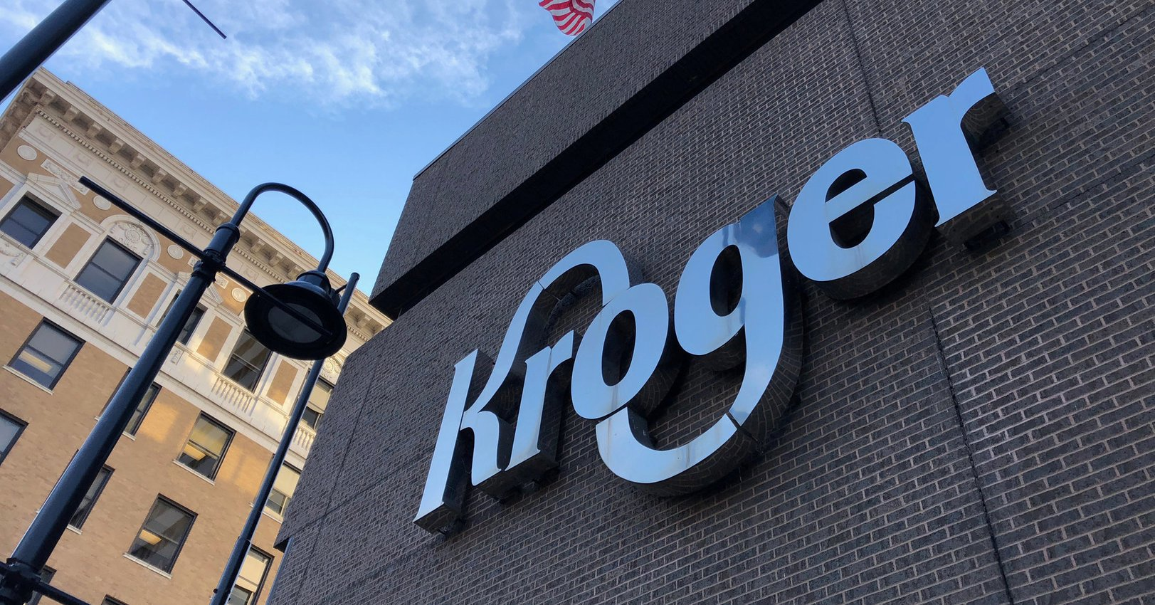 , Kroger Will Phase Out Plastic Bags By 2025 To 'Protect Our Planet', The Circular Economy, The Circular Economy