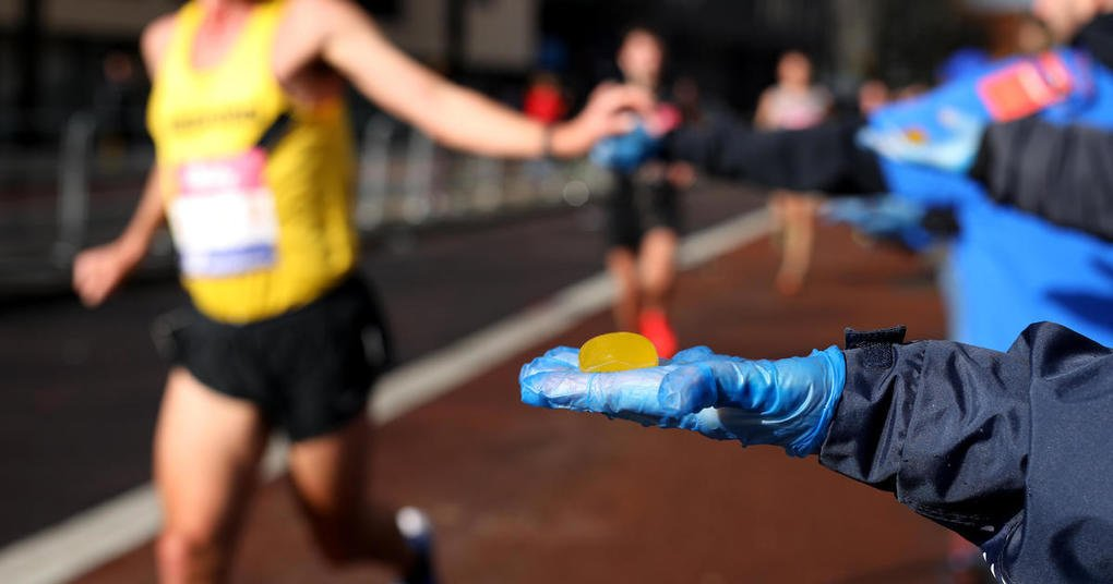 , Ooho edible water bottle: Thousands of seaweed pods will replace single-use plastics at London Marathon – CBS News, The Circular Economy, The Circular Economy