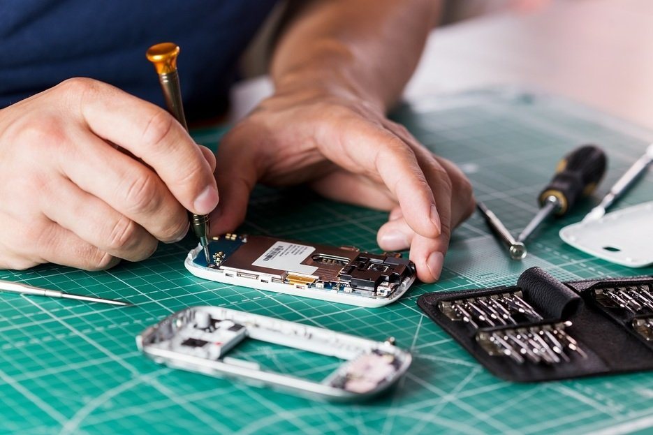 , The Challenge of E-Waste: Why Right to Repair Matters, The Circular Economy