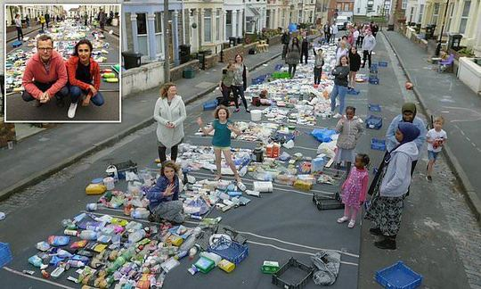 , Startling photo reveals the 15,774 pieces of single-use plastic found on a single street, The Circular Economy, The Circular Economy