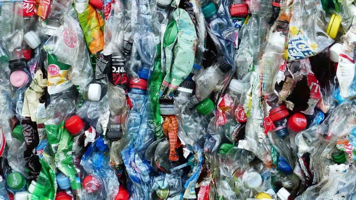 , Canada is Moving to Ban Dozens of 'Harmful' Single-Use Plastics as Soon as 2021, The Circular Economy, The Circular Economy