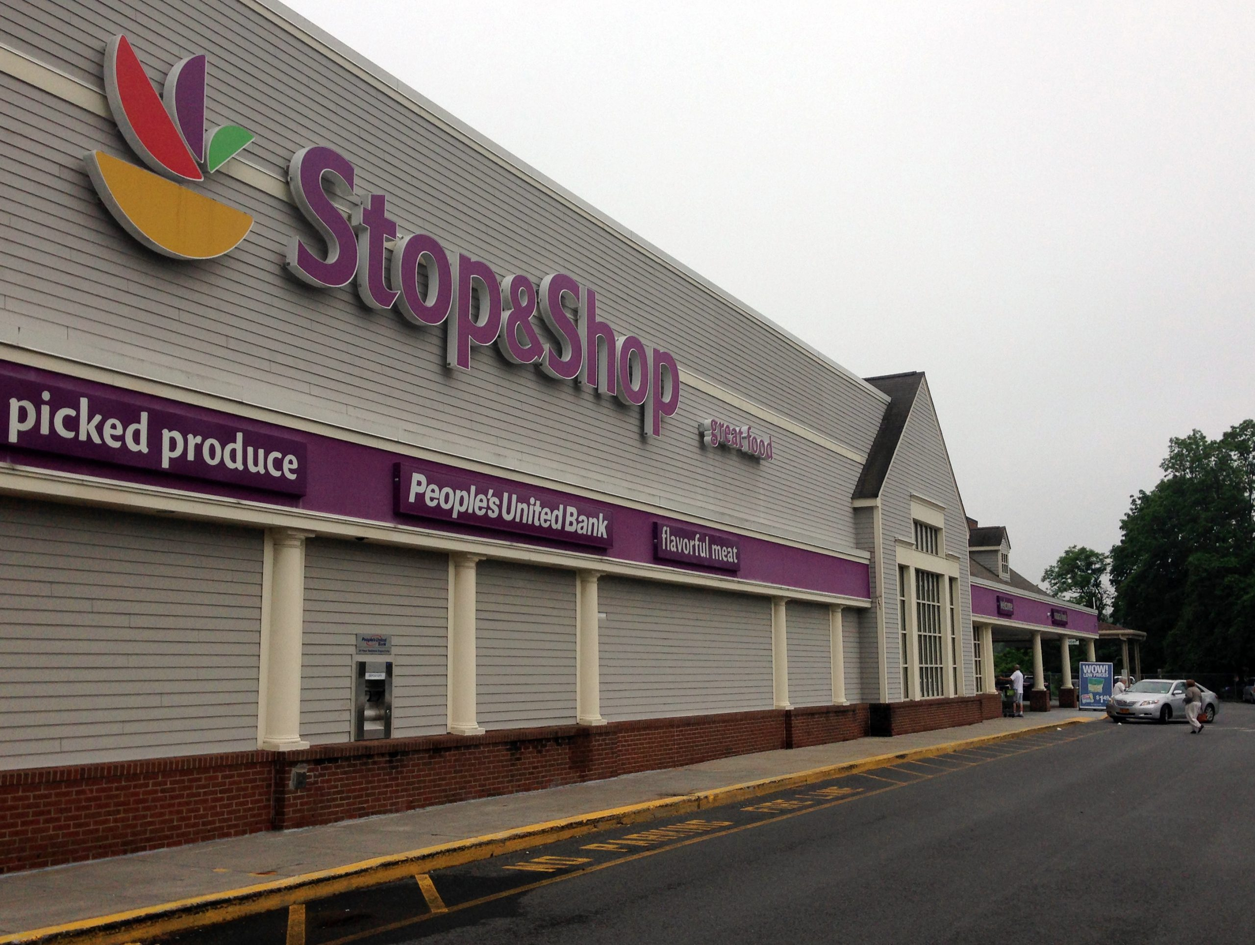 , Stop & Shop to end single-use plastic bags at checkout in Connecticut, The Circular Economy