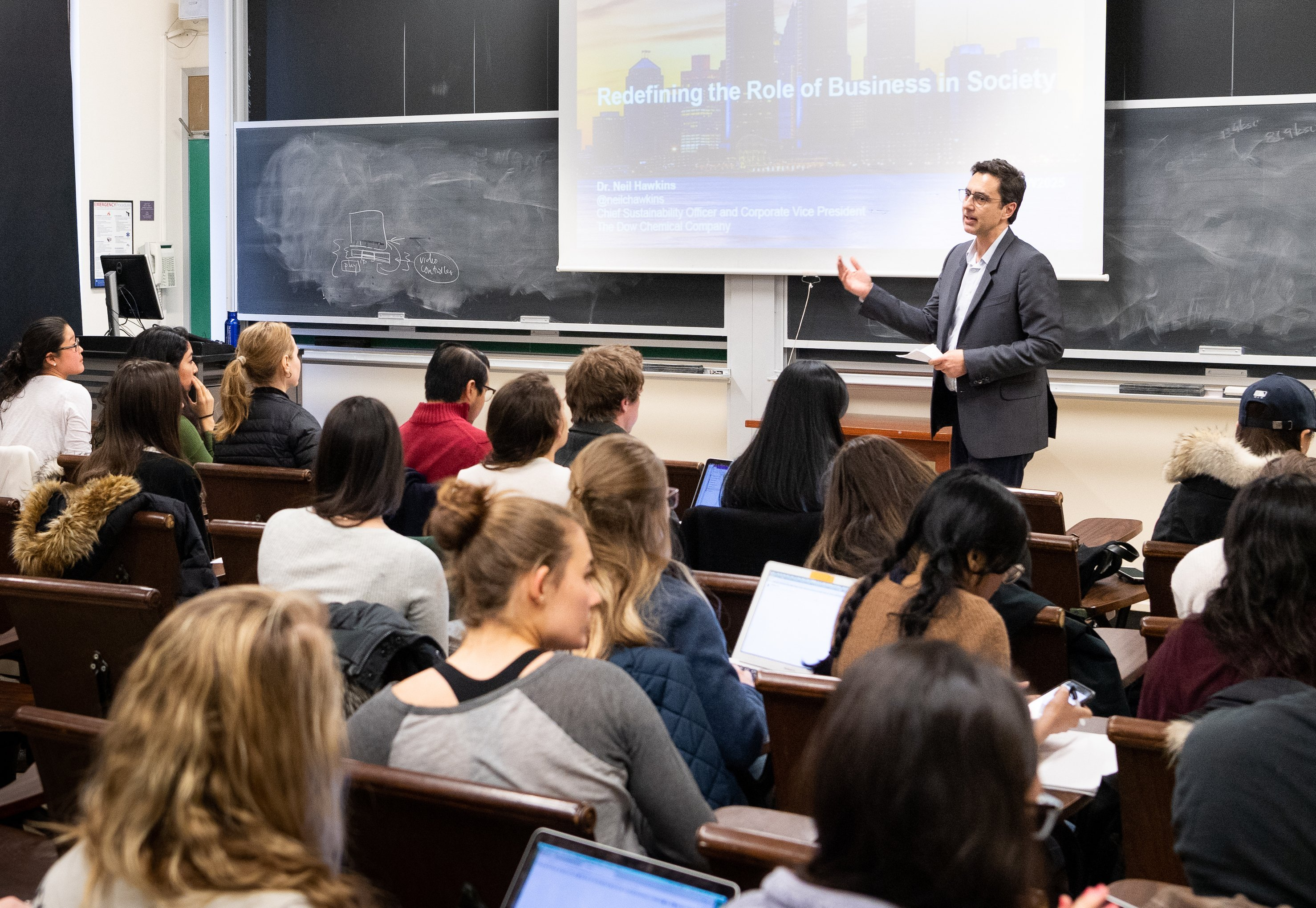 Students Learn from Leading Sustainability Practitioners In Practicum Course, The Circular Economy