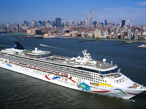 , Norwegian Cruise Line ditches single-use plastic drinks bottles onboard, The Circular Economy
