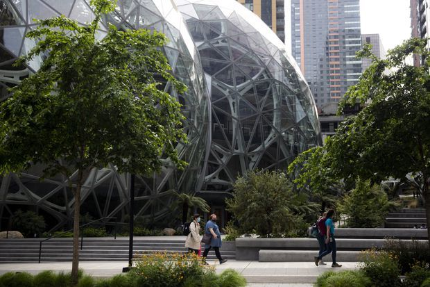 , Amazon Unveils $2 Billion Fund To Invest in Startups Building Sustainable Technology – Slashdot, The Circular Economy