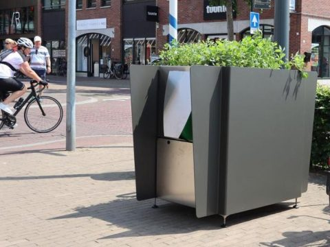 """, Amsterdam installs sustainable urinals to combat """"wild peeing"""" – CNN Style, The Circular Economy"""