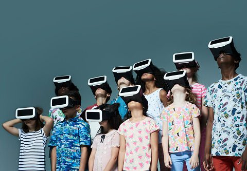 , A Virtual Step towards Ecological Sustainability : Nudging people to react on their everyday actions through VR experiences, The Circular Economy