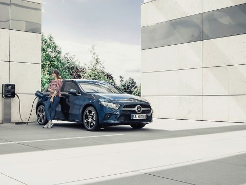 , Why plug-in hybrids are an important pillar on the way to emission-free mobility | Daimler Sustainability, The Circular Economy